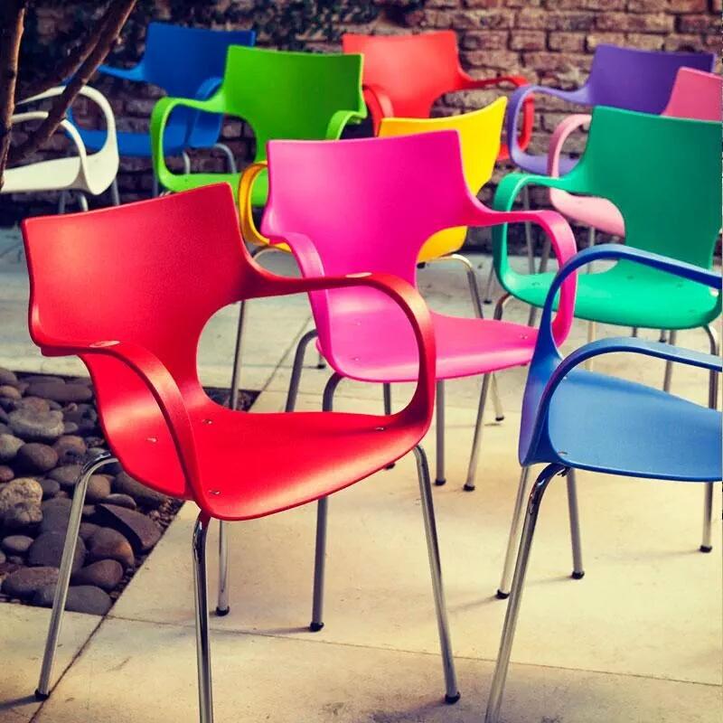 http://www.offi-center.com.ar/Imagenes/Sillones_locki_divertidos.JPG